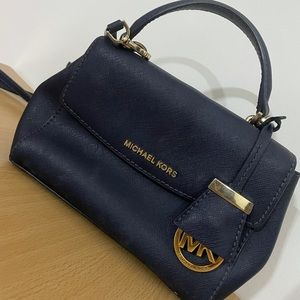Authentic Michael Kors crossbody bag which is in perfect condition! Color- Blue